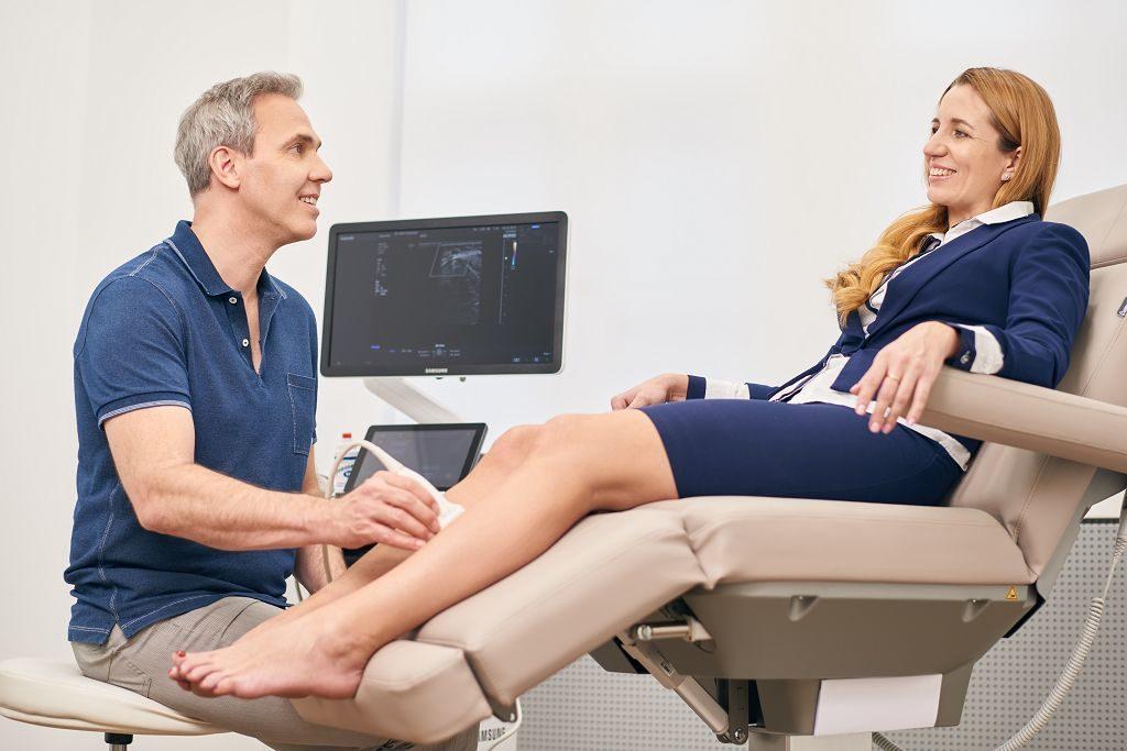 Dr. Kusenack - Privatpraxis für Gefäßchirurgie Düsseldorf - Ultraschall Beine - Krampfadern entfernen