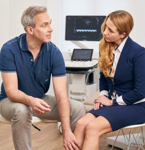 Dr. Kusenack - Privatpraxis für Gefäßchirurgie Düsseldorf Krampfader Entfernung - Untersuchung